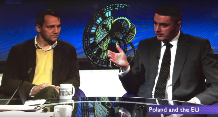 Daniel Kawczyński vs Radosław Sikorski na temat sytuacji wPolsce