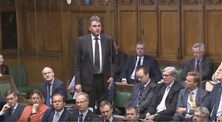 Daniel Kawczyński pyta Premiera Camerona o sytuację Polaków wUK